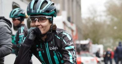 The 'cobbled classics' season started off with female rider catching the back of mens peloton